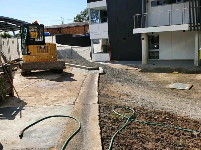 Hire 5.5 Tonne Excavator