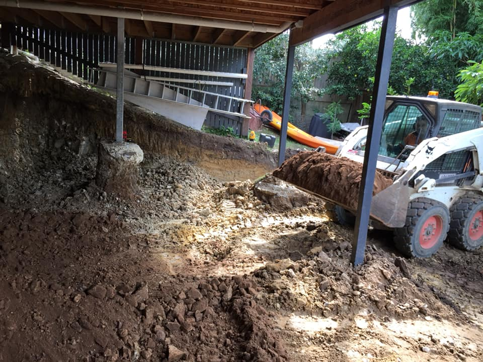 Bobcat for wet hire (with Operator)-Gold Coast