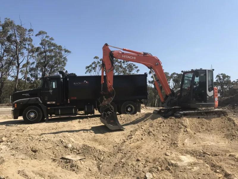 Hire 8.5 Ton Excavator civil / residential