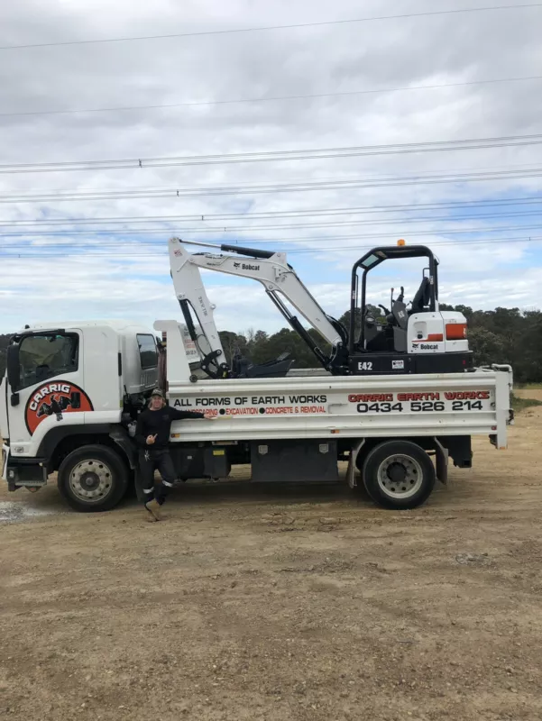 Hire Combo - 4.2T Excavator and 7m3 Tip Truck