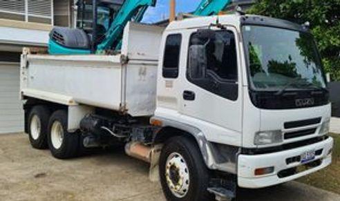 12  Tonne load capacity Tipper for wet hire (with operator)-Buderim, Mooloolaba, Buddina, Mountain Creek, Parrearra, Minyama