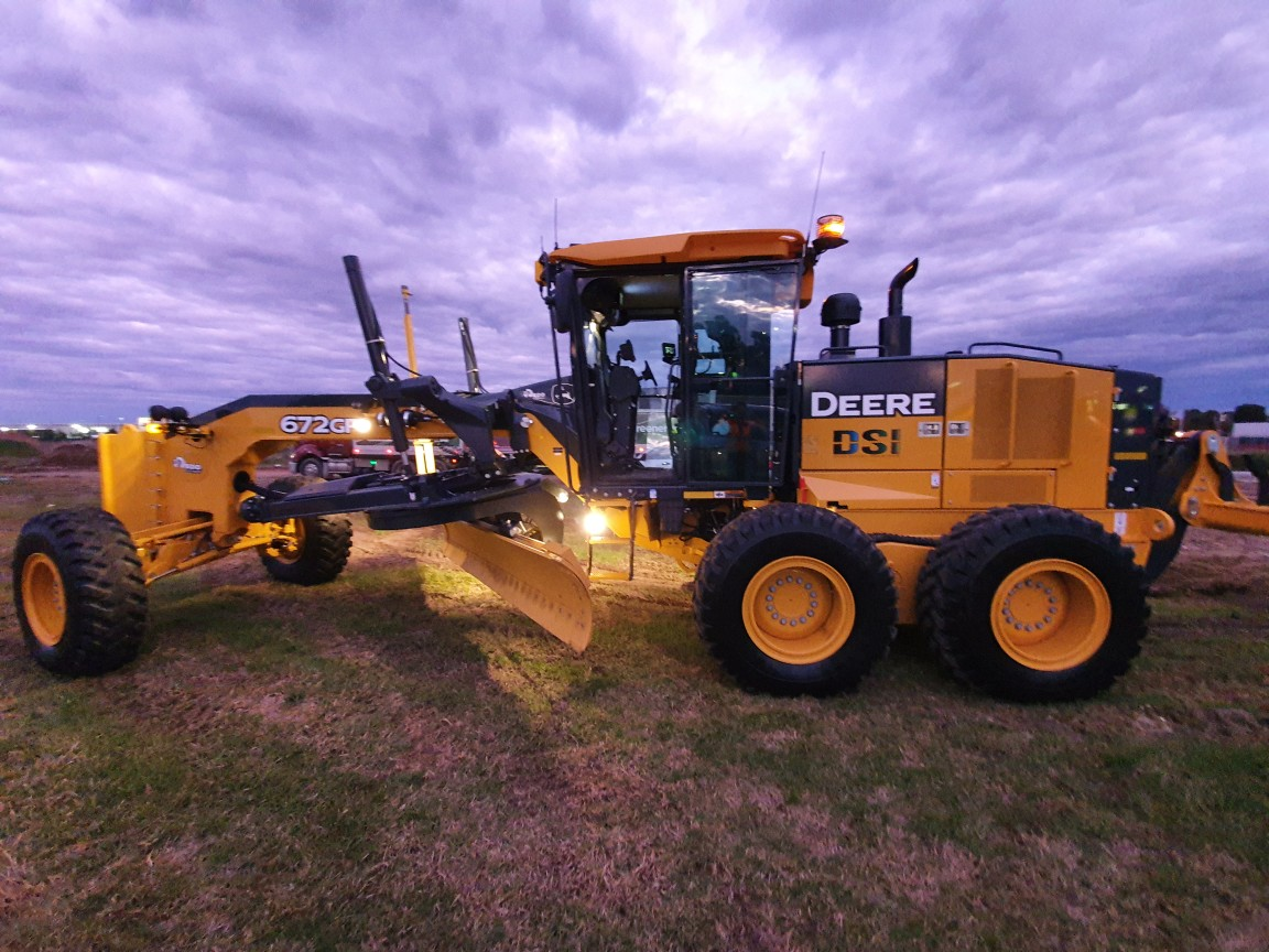 Hire Motor Grader with automatic machine control