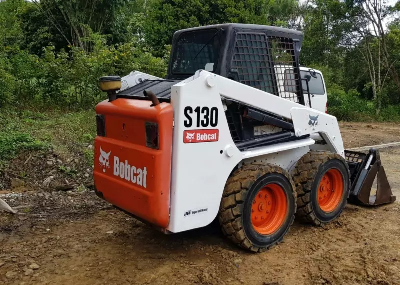 Bobcat S130 (2.3t Machine) for wet or dry hire
