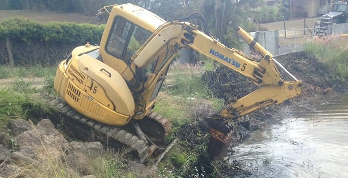 5T excavator for wet hire with operator - Murrumba Downs, QLD