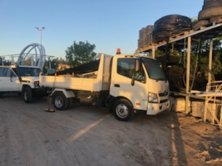 2T ton tipper truck hire -Upper Coomera, Hope Island, Paradise Point, Oxenford, Helensvale, Coombabah, Gaven, Arundel