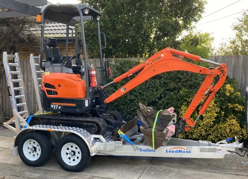 Hire 1.7t Excavator on trailer