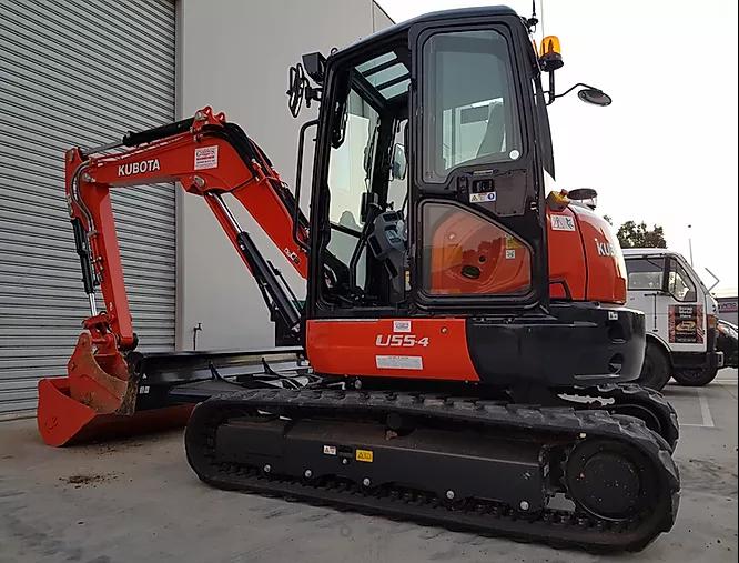 Hire 5.5T (Tonne) Kubota Excavator