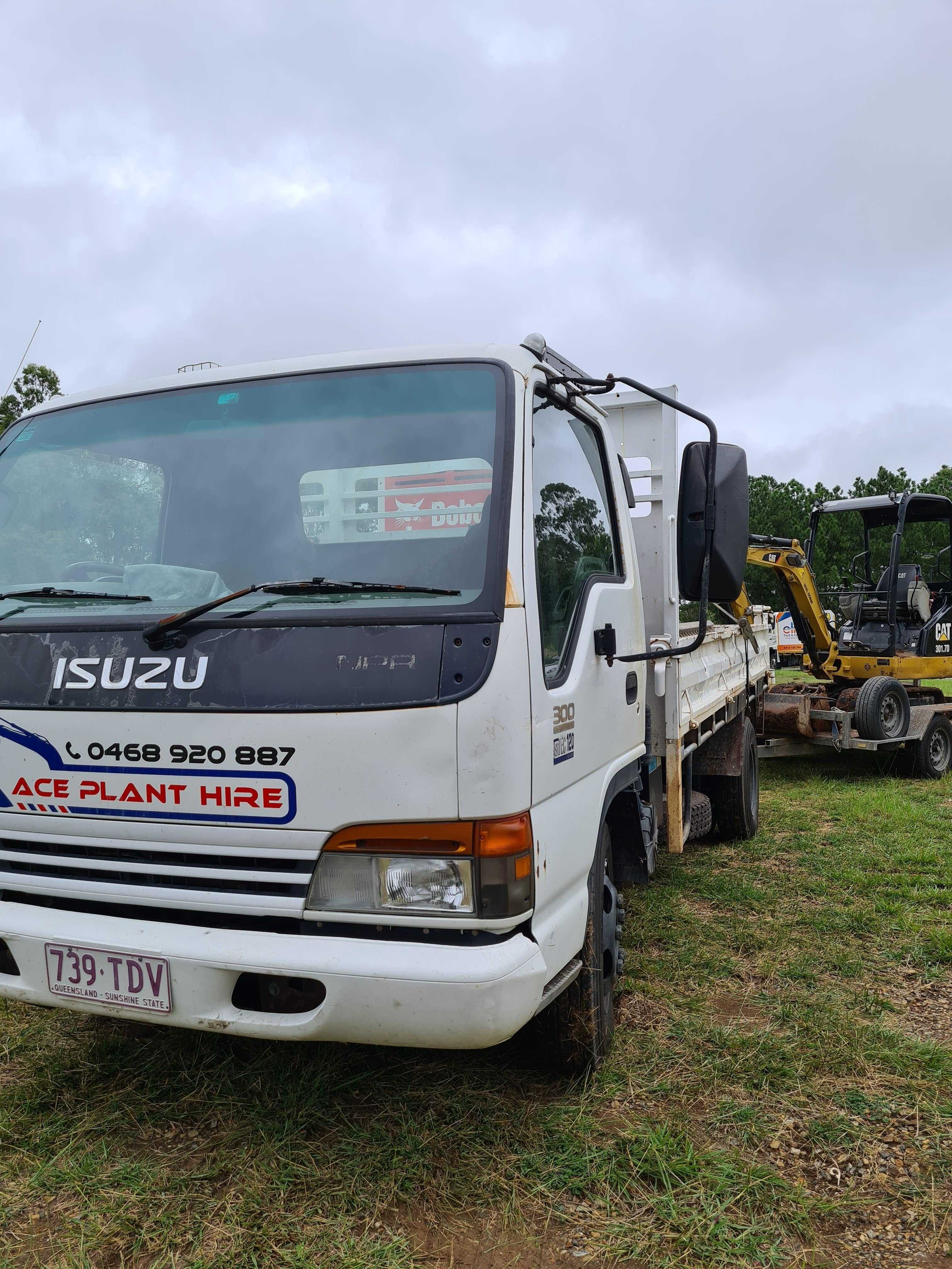 3.5m Tipper with Operator for (wet) hire near Capalaba 4157 QLD
