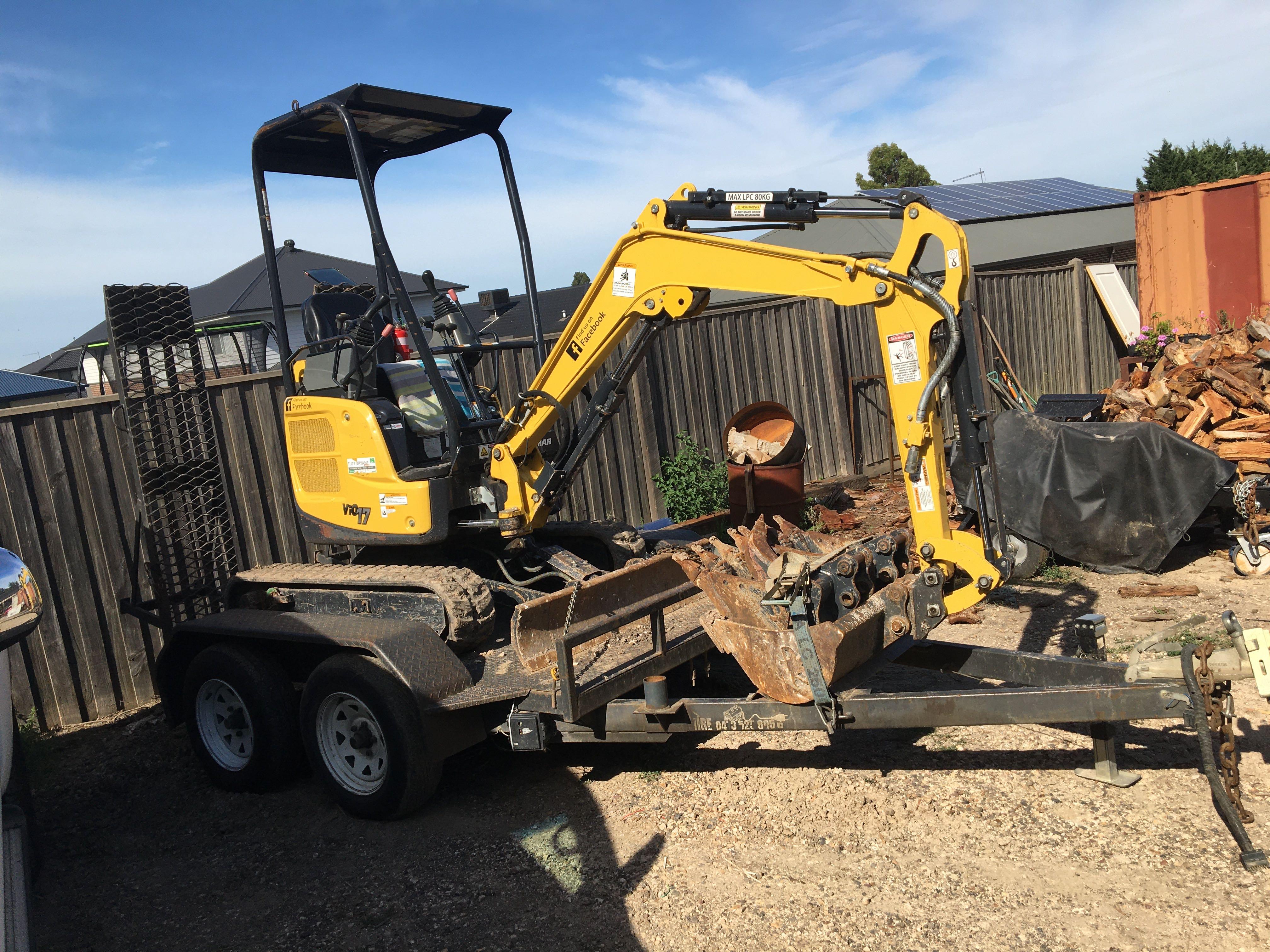 1.7 Tonne Excavator for wet hire