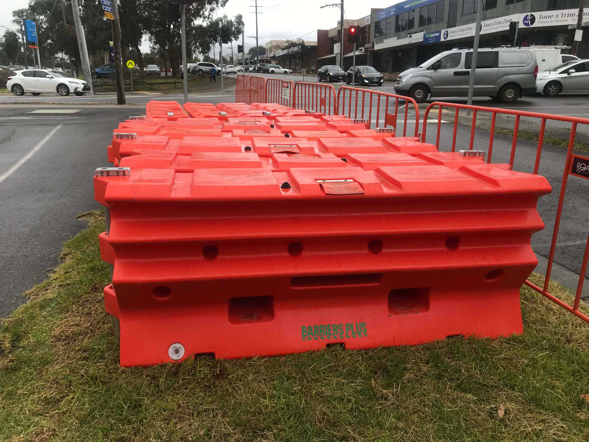 Hire Armorzone SAFETY water filled Road barriers