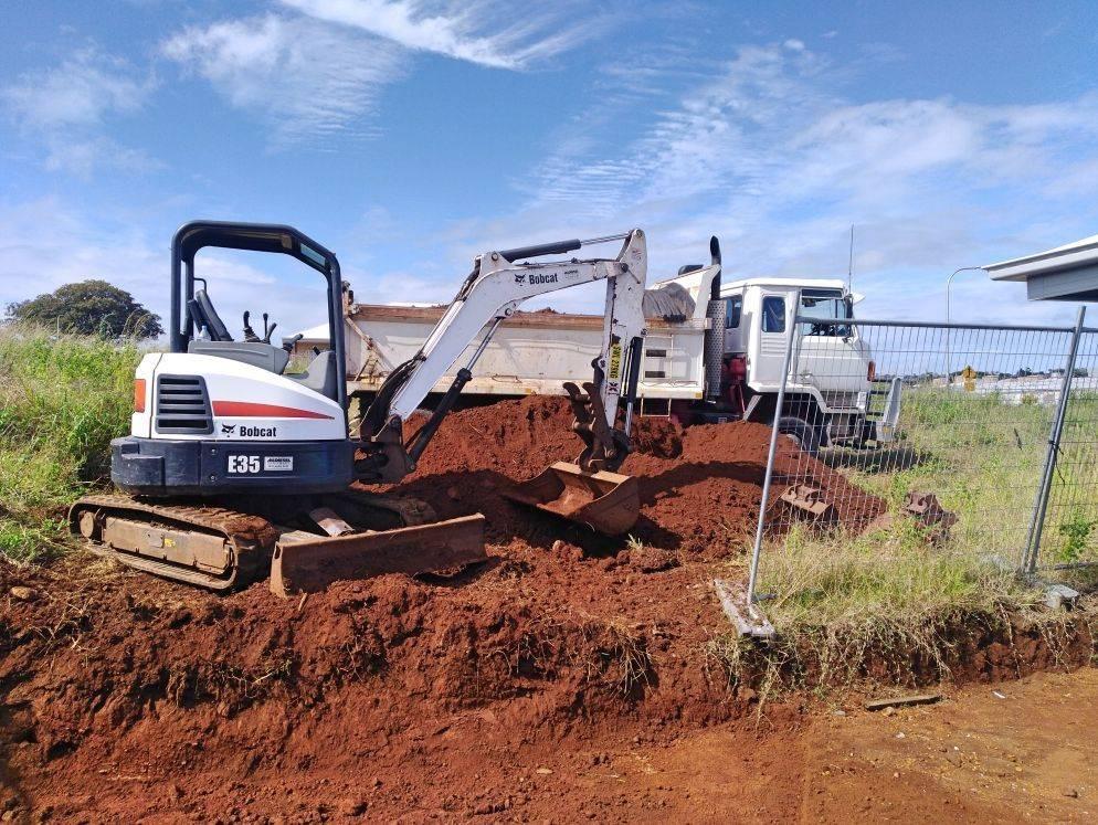 Hire 4 ton excavator - Ballina, Byron Bay, Lennox Head, Suffolk Park, Ocean Shores, Brunswick Heads, Mullumbimby, Alstonville, Lismore