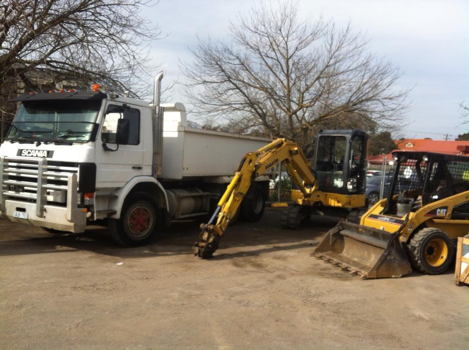 Hire Combo 5T Excavator, Bobcat and Tipper Truck