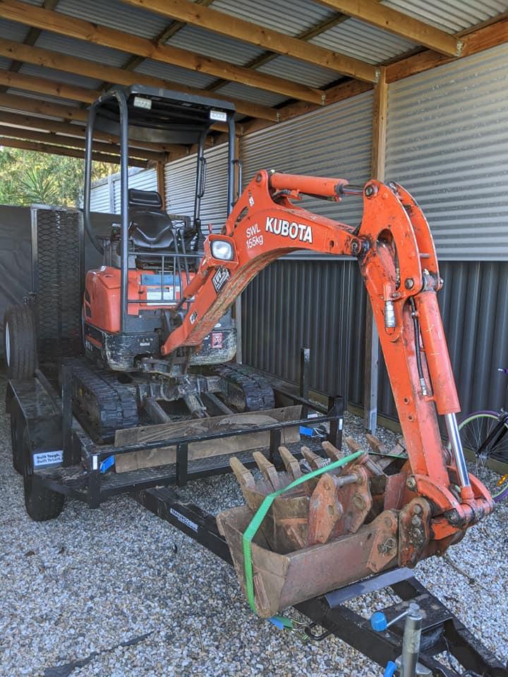 1.7 ton Kubota Mini excavator DRY hire near Brighton